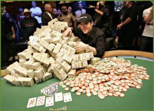 joueur gagnant poker