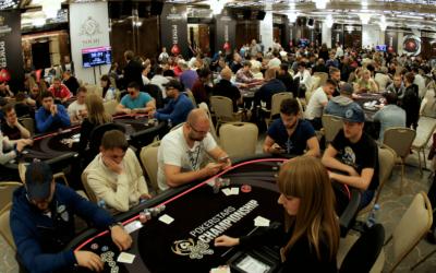Top 8 des conseils pour écraser les tournois de poker