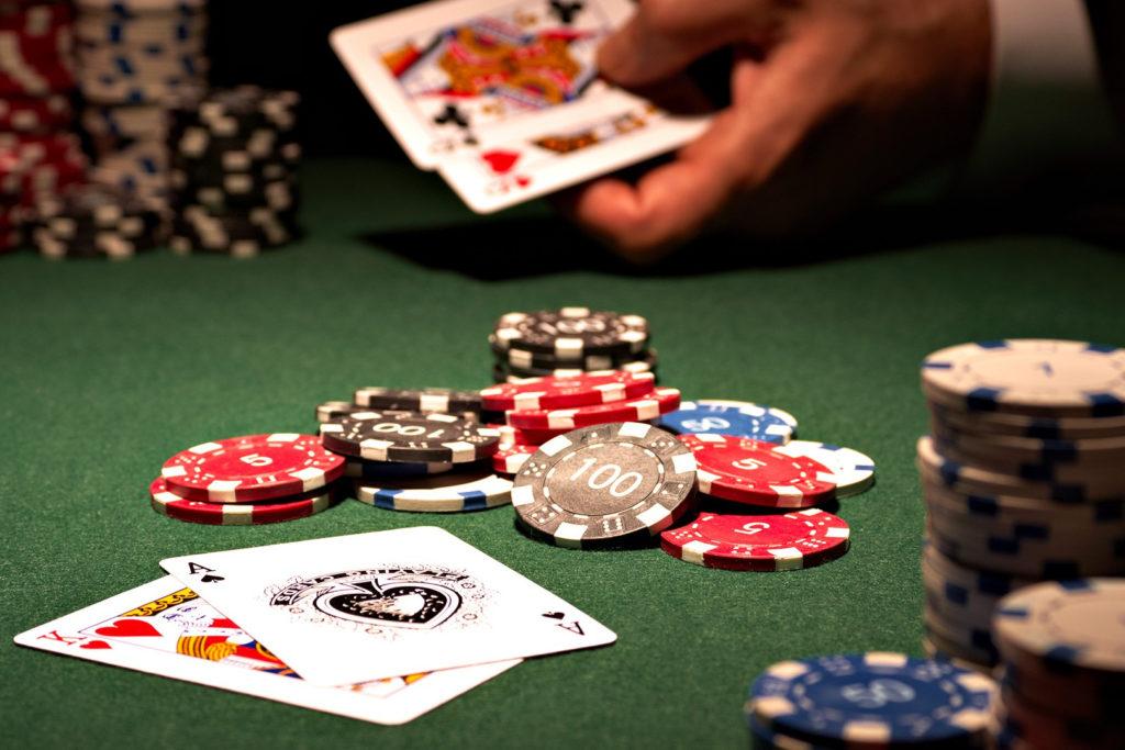 poker-main-depart